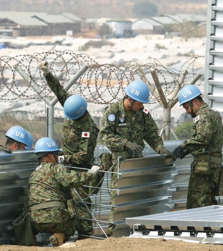 「積極的平和主義」柱失う