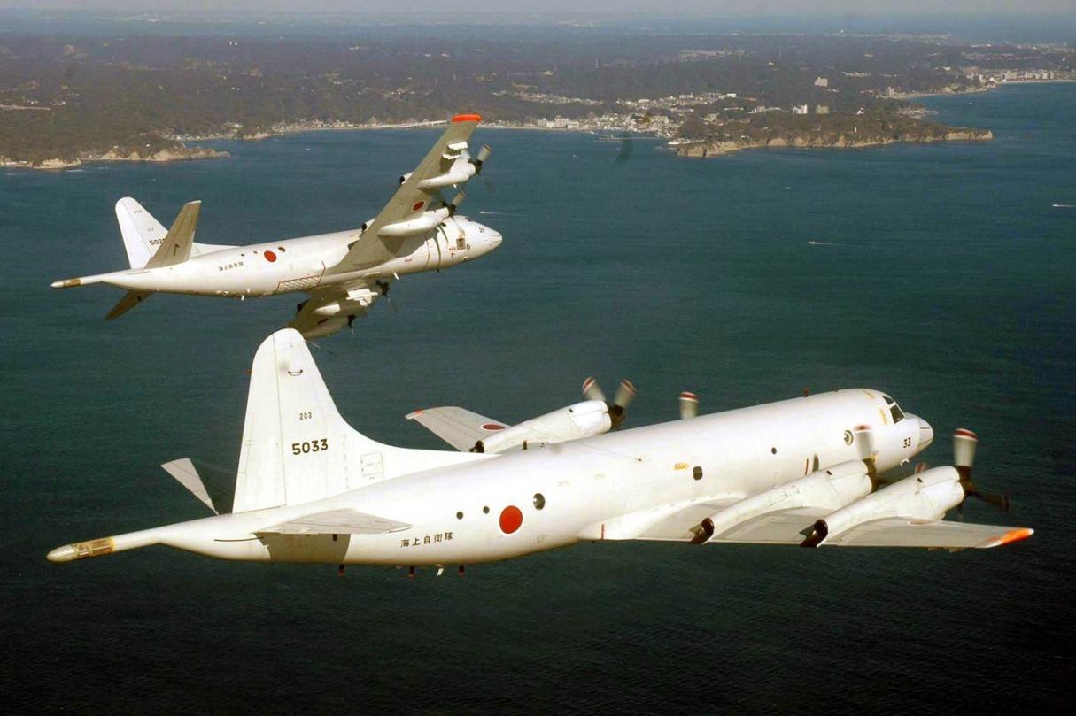 【千葉】海自が初訓練飛行、P―3C編隊飛行を公開