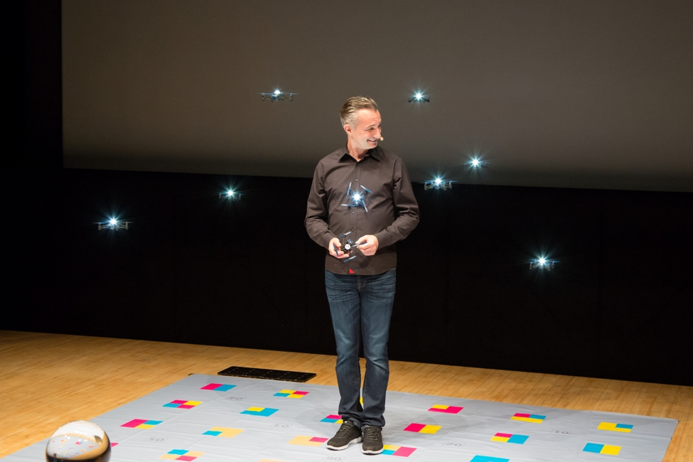 Marco Tempest at Singularity University Japan Summit 2017