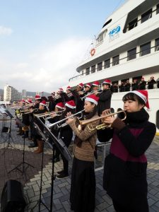 40 trumpets on Port of Kobe