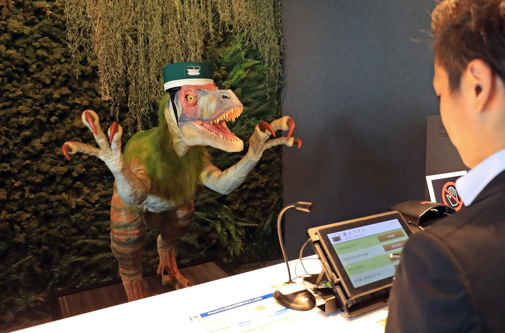[Hidden Wonders of Japan] This Hotel Has Dinosaur Robots for Receptionists
