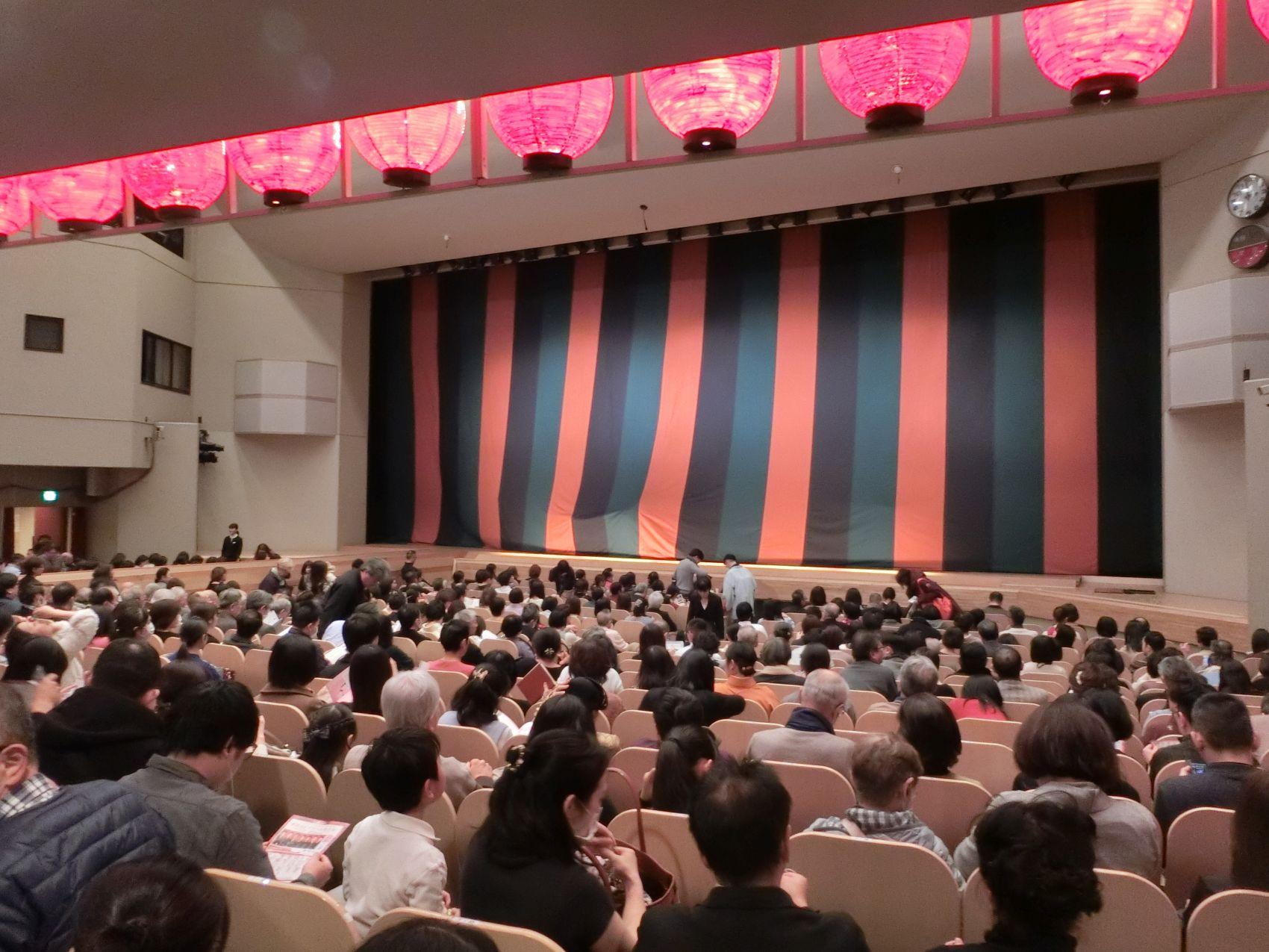 Get A Glimpse of Samurai Life at New Year Asakusa Kabuki
