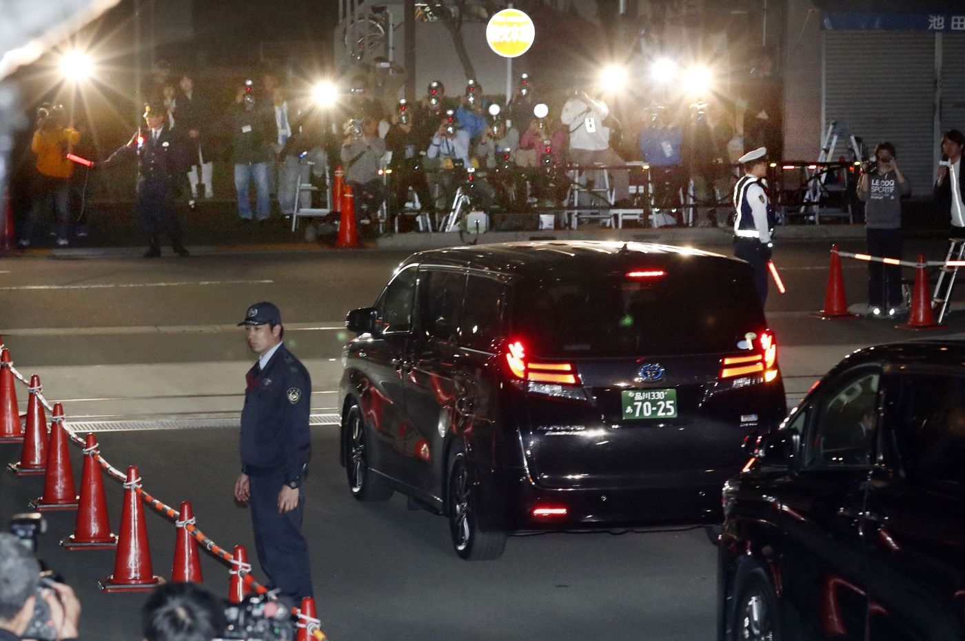 Japan Carlos Ghosn Released on Bail Once More 010