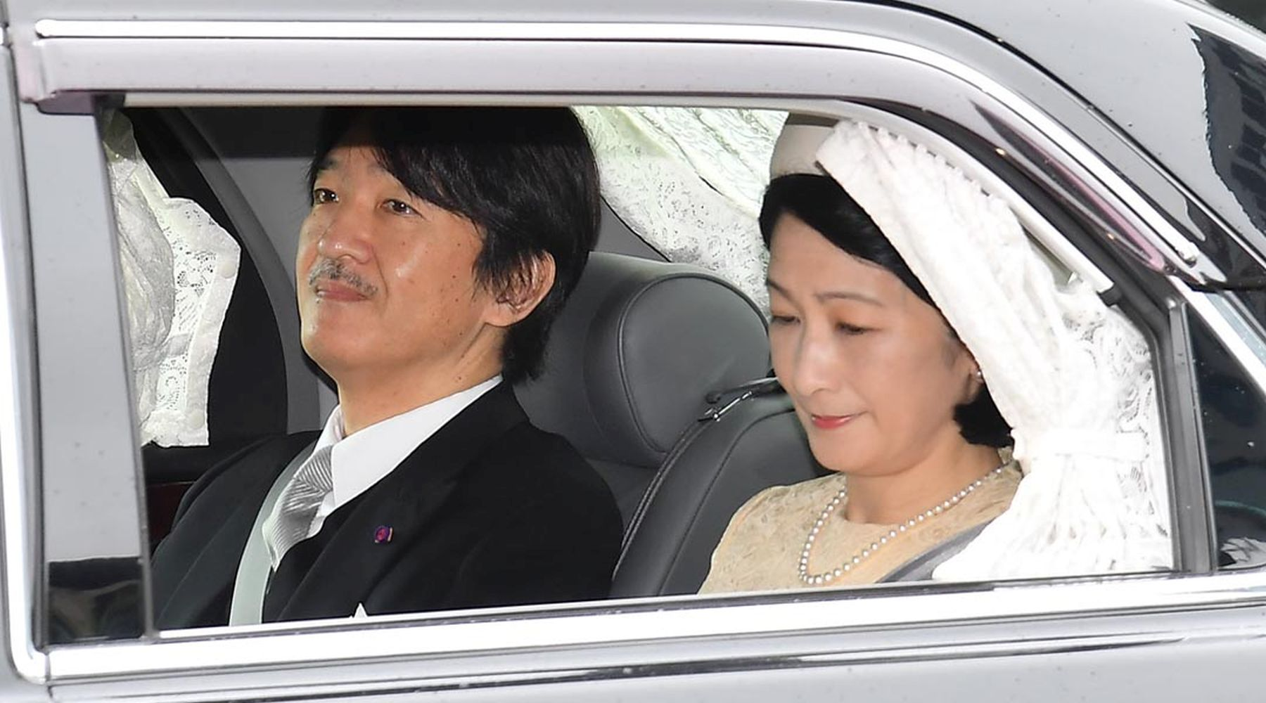 Japan and Emperor on the Day of Abdication 008