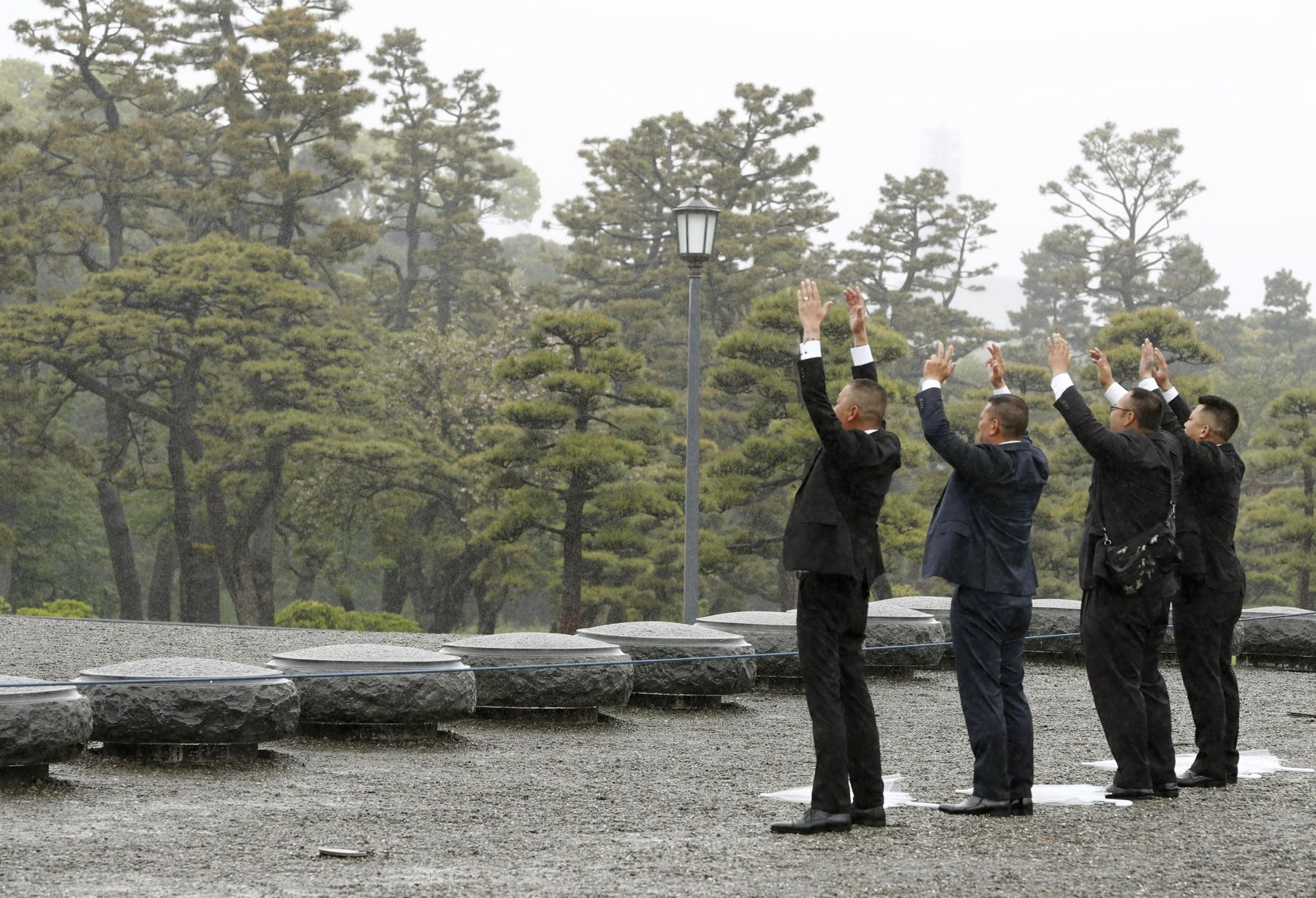Japan and Emperor on the Day of Abdication 012