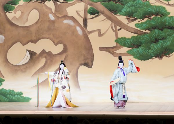 Japan May at the Kabukiza Theatre 5 year old Debuts at Dan-Kiku Festival
