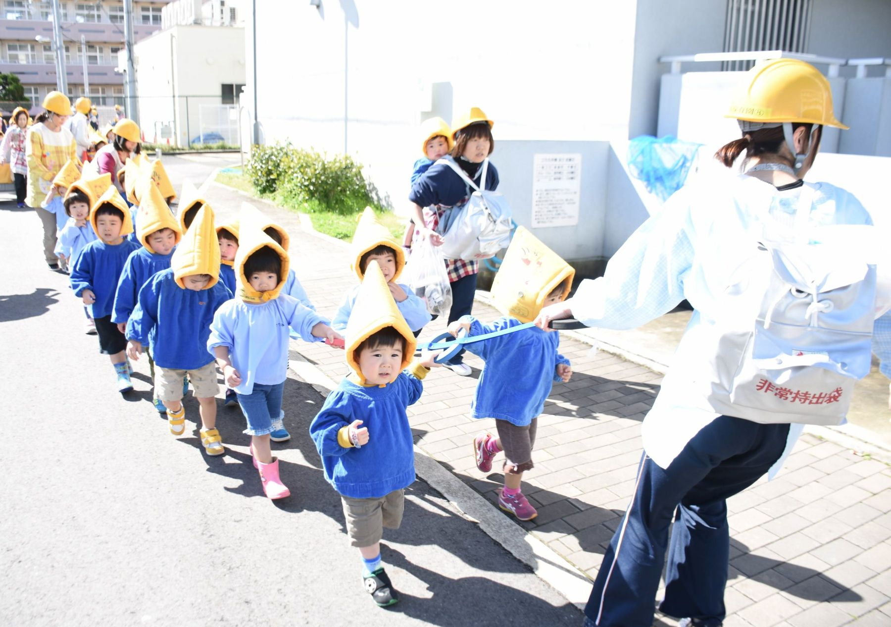 Japan Nursery School AI Robots 015
