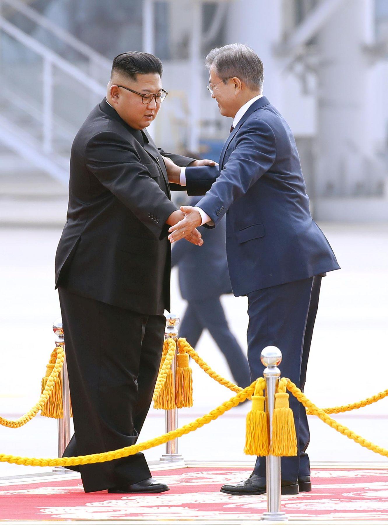 Moon Jae In South Korea Faces Tense Political Situation