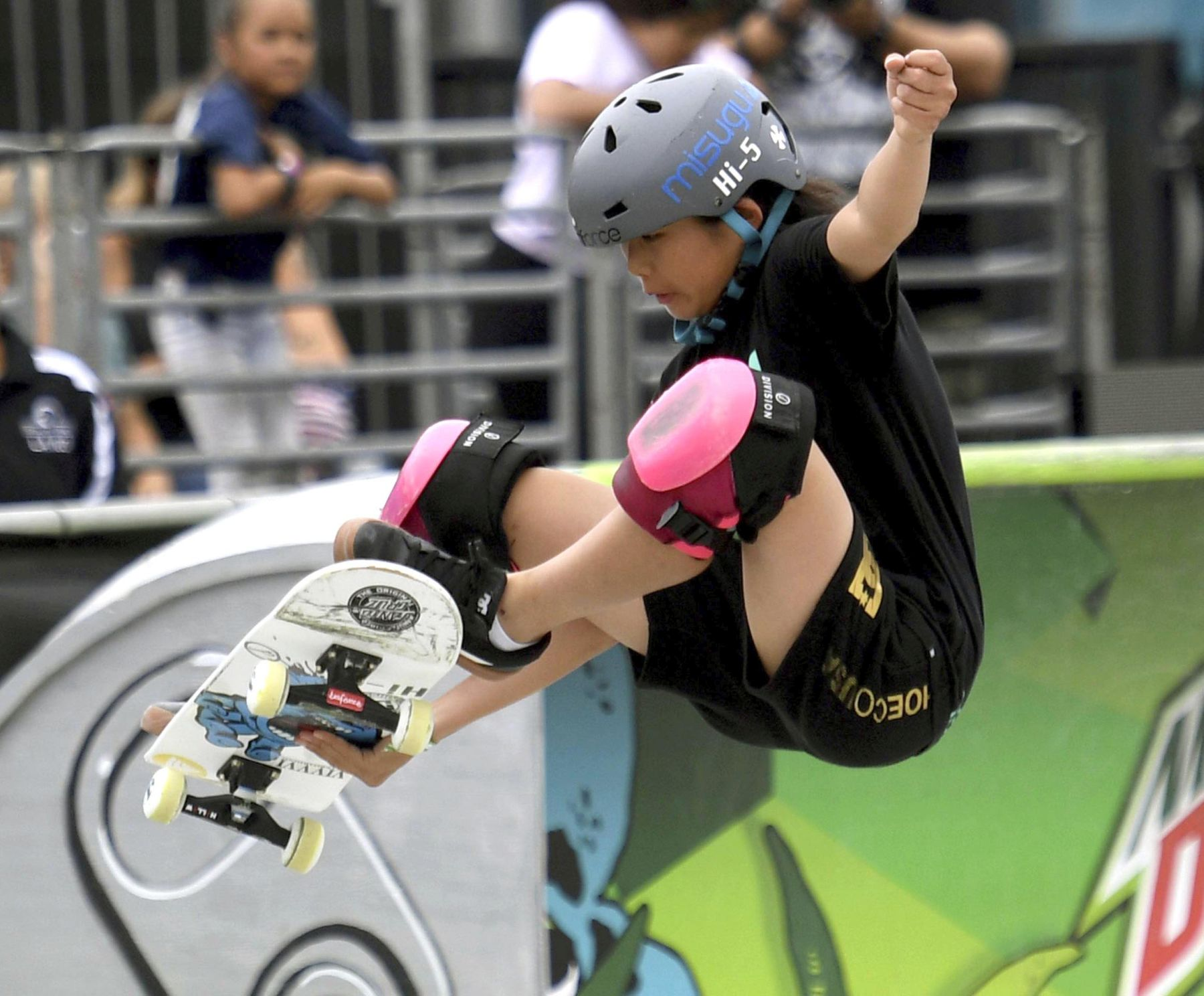 Misugu Okamoto Japan Wins in the Womens Park Skateboard Final 001