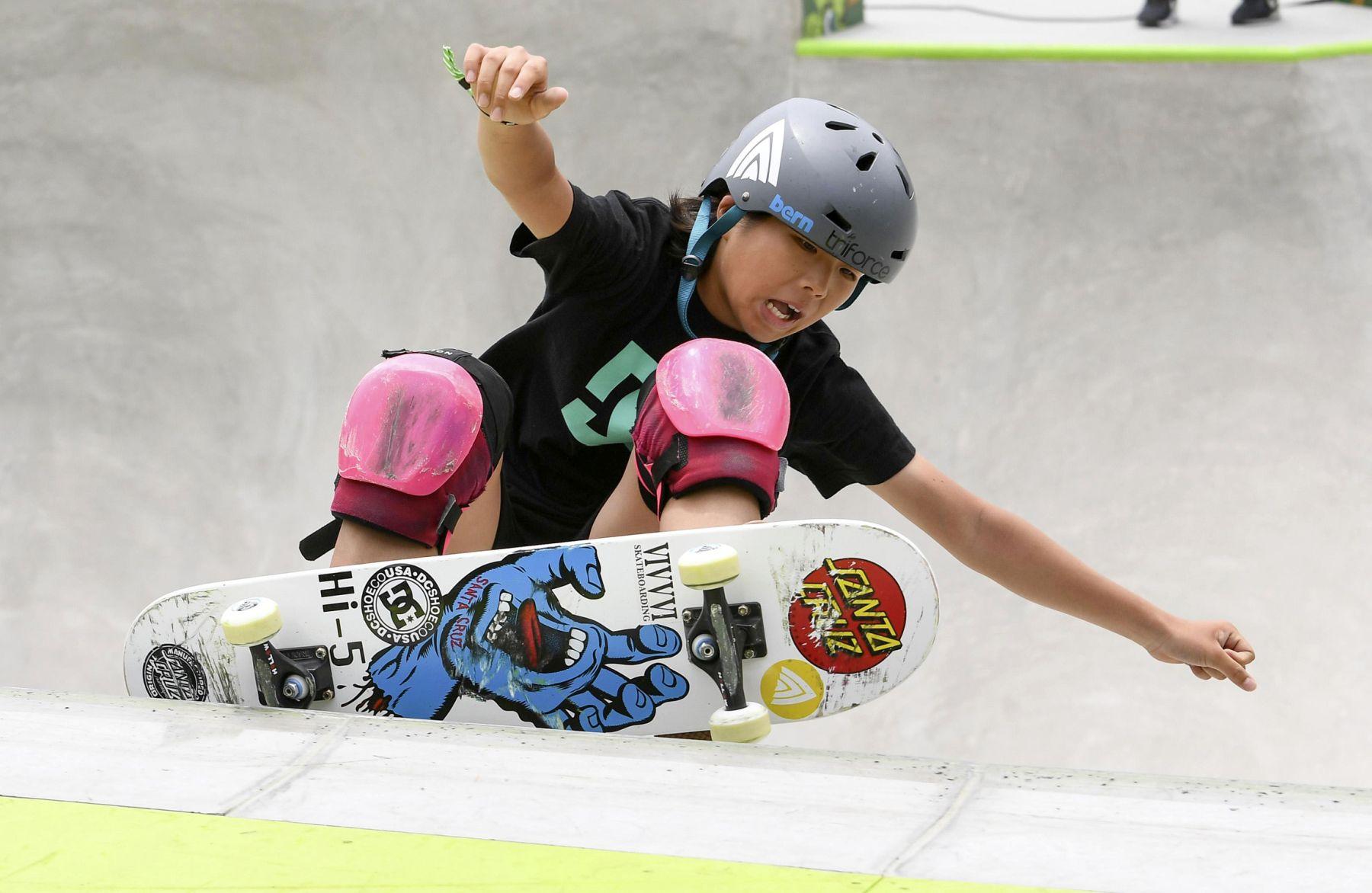 Misugu Okamoto Japan Wins in the Womens Park Skateboard Final 003
