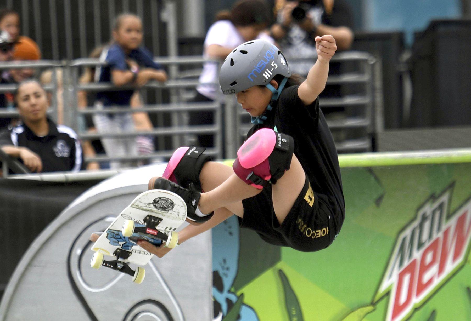Misugu Okamoto Japan Wins in the Womens Park Skateboard Final 005