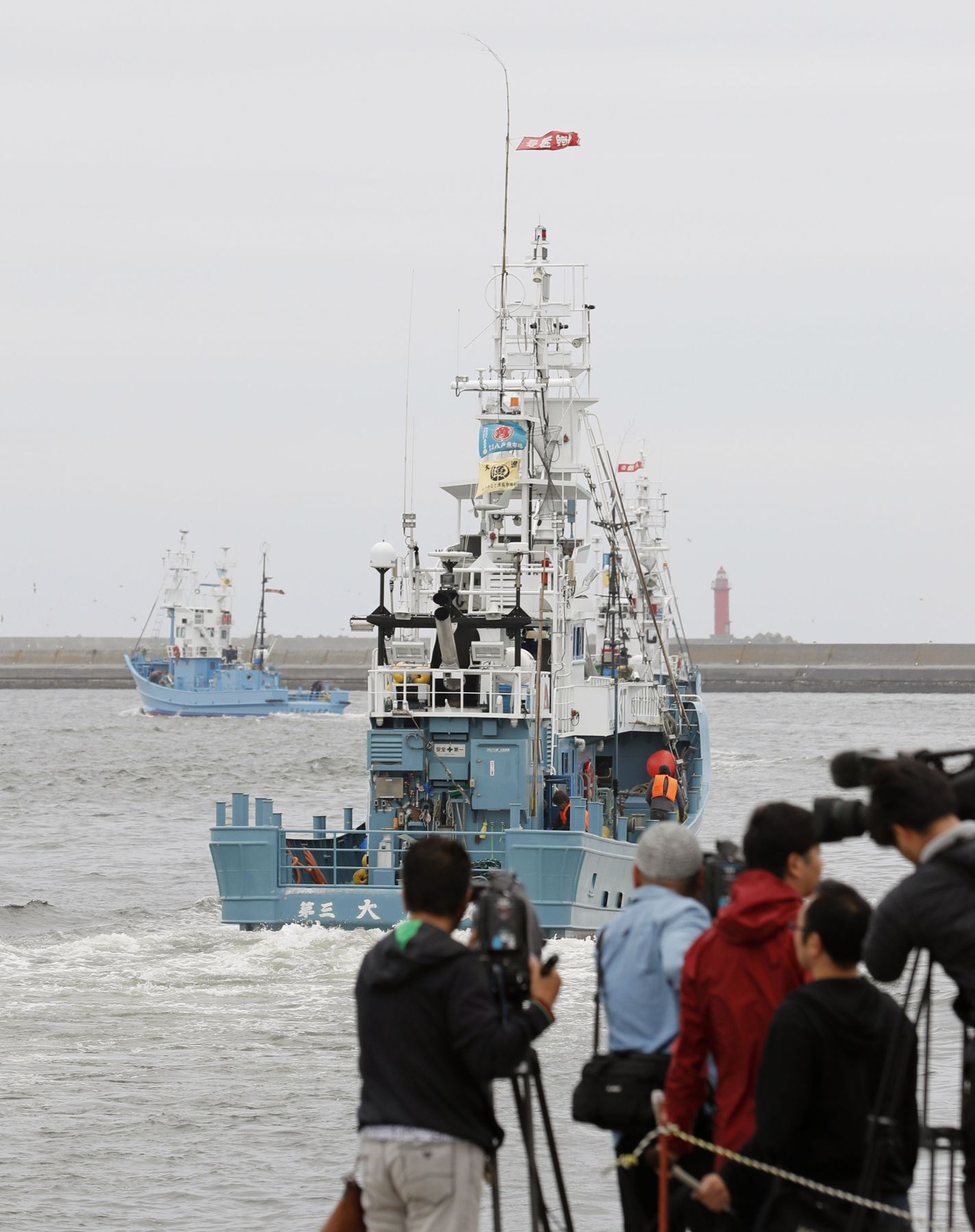 Japan Resumes Commercial Whaling 015