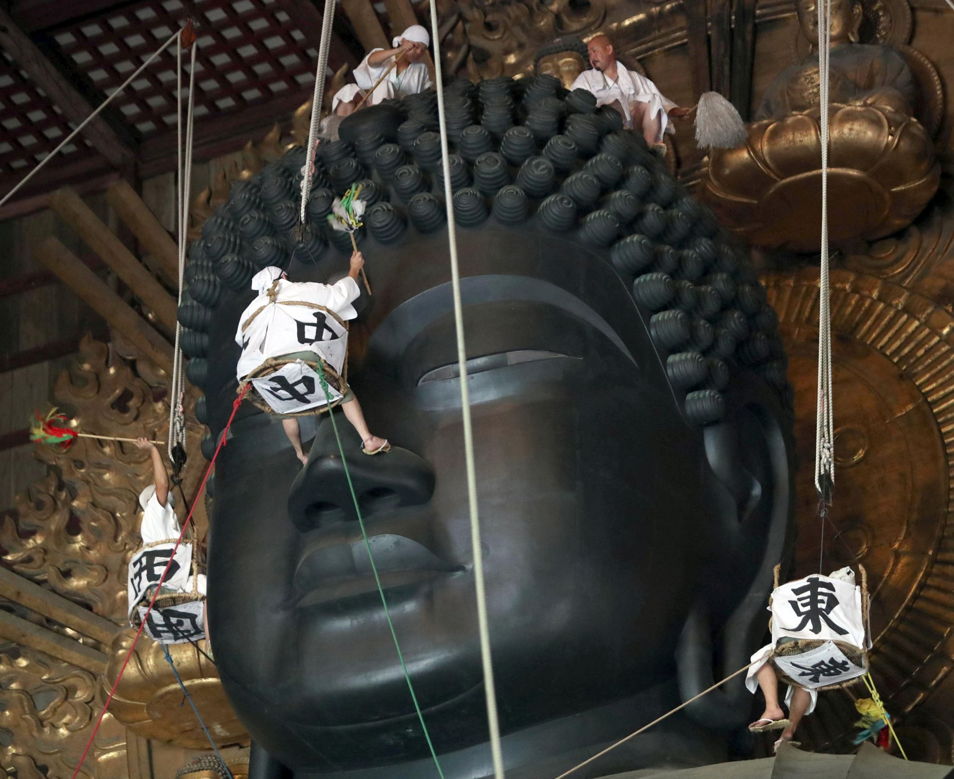 Japan Todaiji Buddha Gets A Cleaning Before Obon Festivities