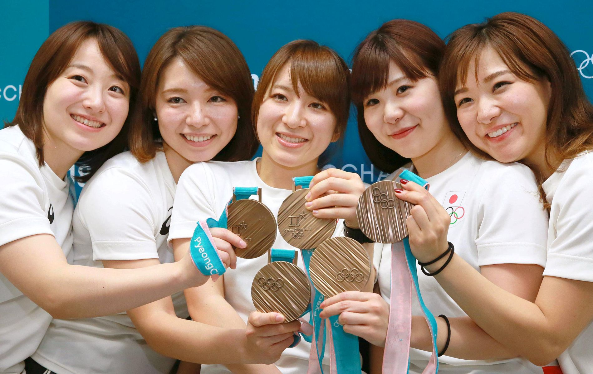 Japans Champion Lady Athletes and their Smile Power