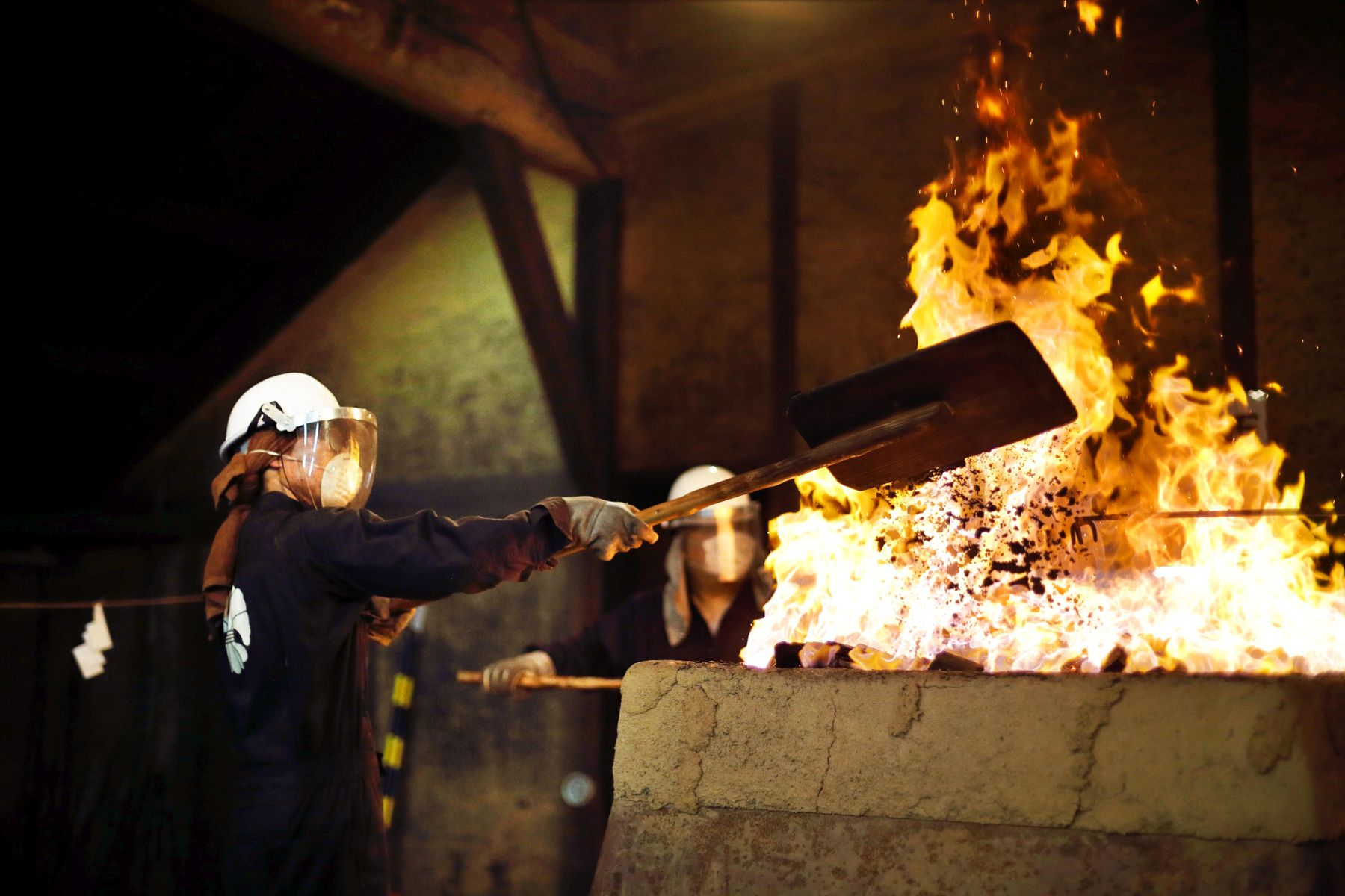 Beautiful Japan – Fueling a Thousand-Year Flame with Traditional Iron Bellows in Unan, Shimane 007