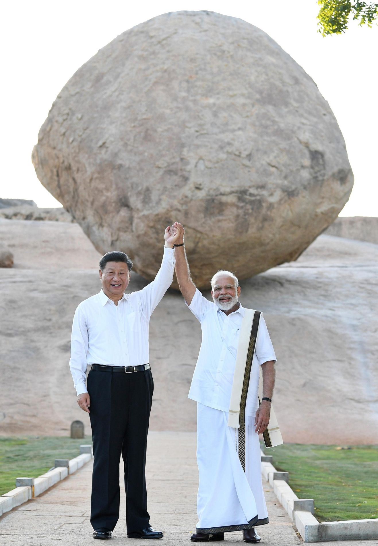 China Reaches Out to India Xi and Modi 013