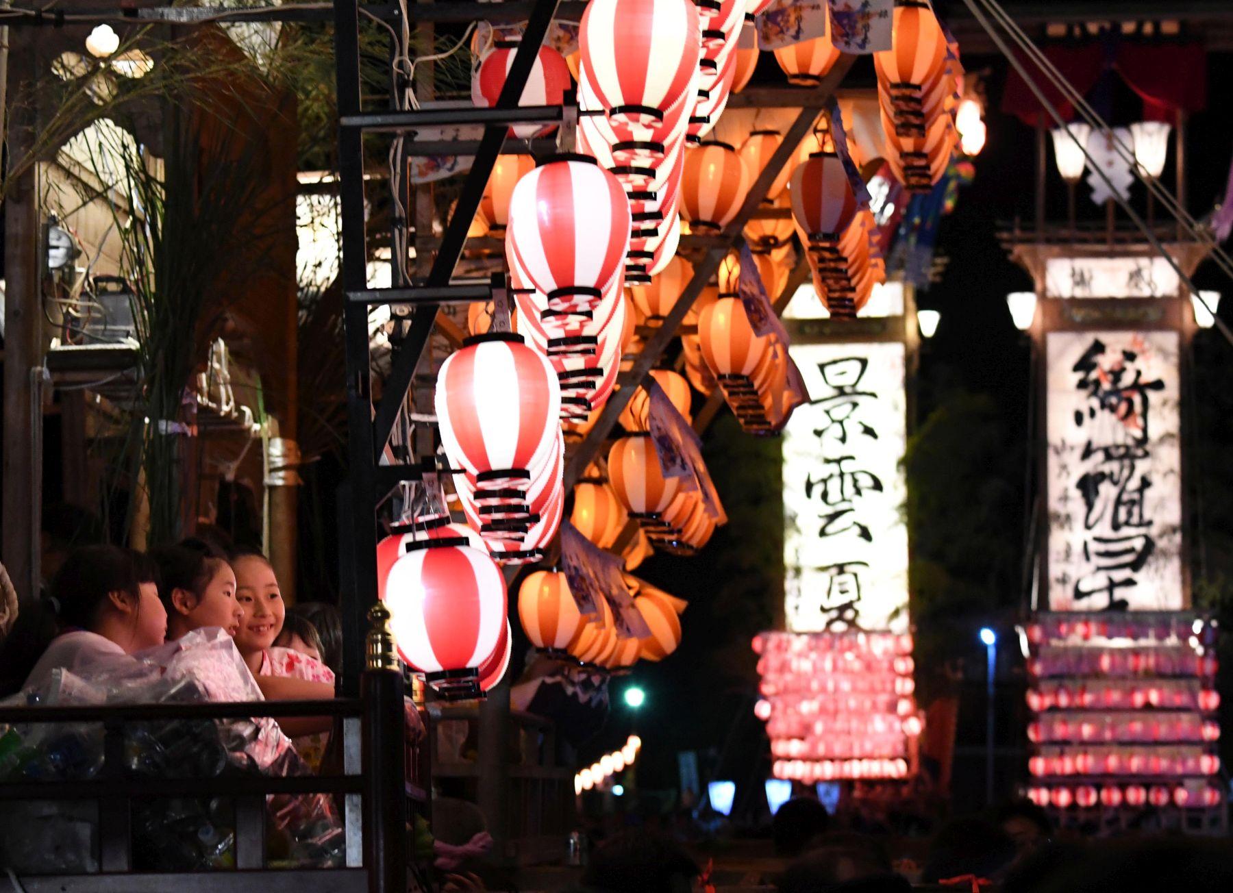 Beautiful Japan | Lanterns Over the Dark Sea Create Dreamlike Kiriko Festival on Noto Peninsula