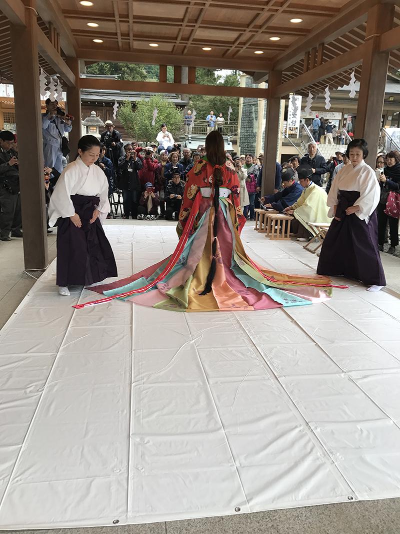 Empress Masako Kimono Junihitoe3_800