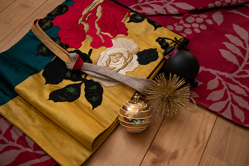 Christmas Kimono Ask Sheila Cliffe15