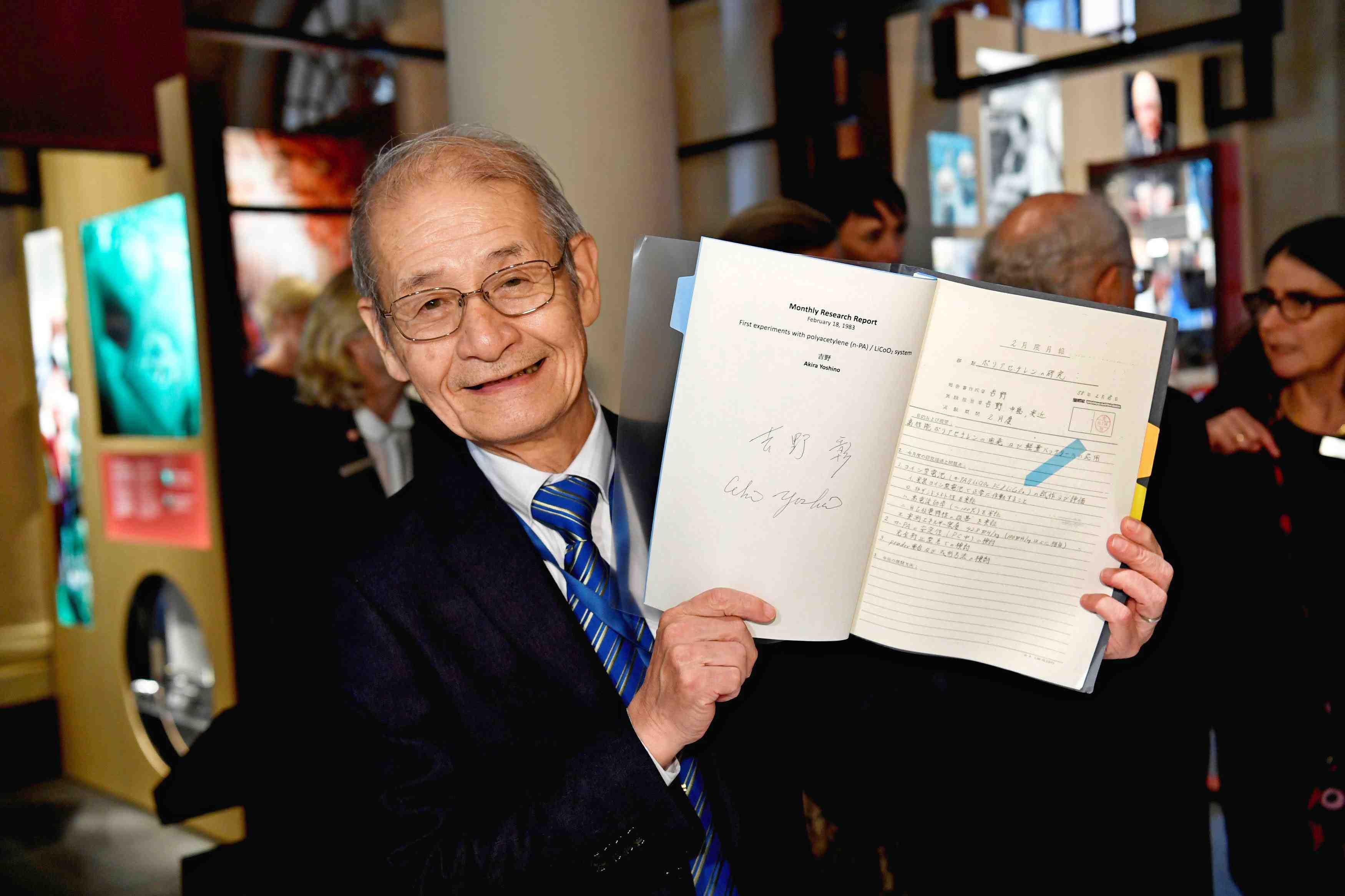 Nobel laureates donate artifacts to Nobel Museum in Stockholm