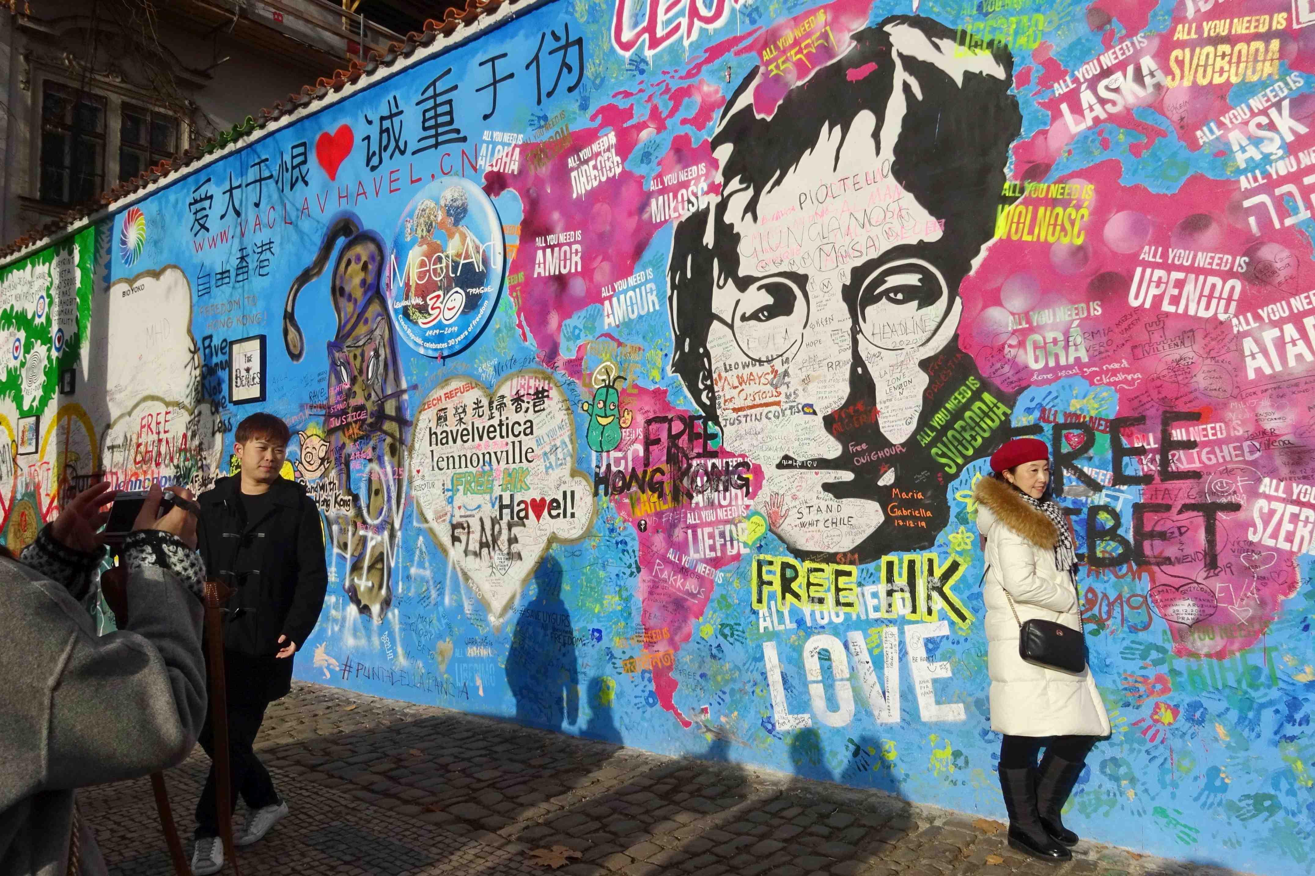 Prague inks sister city pact with Taipei 008