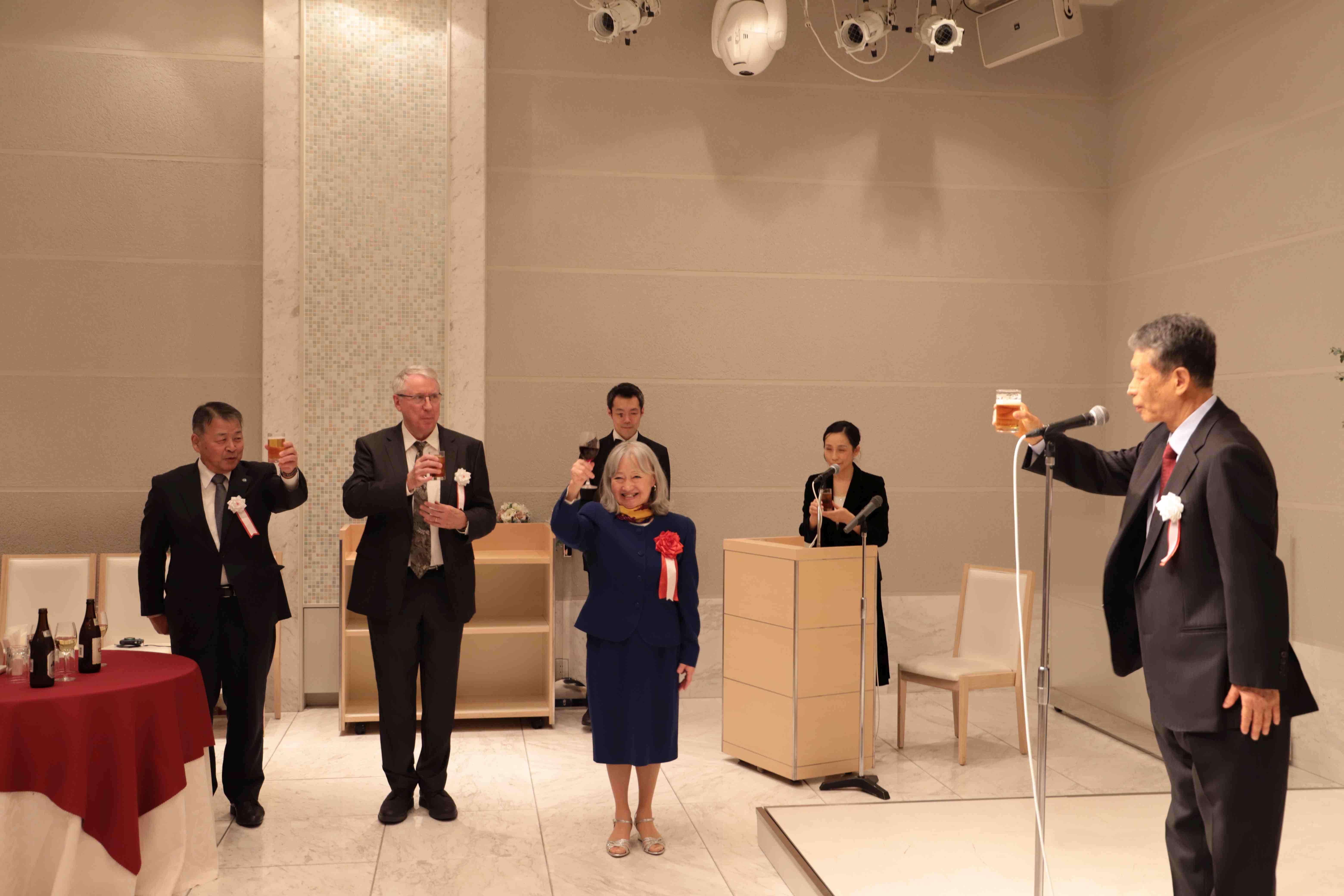 Professor Michiko Yusa Receives Kanazawa University Prize for Distinguished Japanese Thought 004