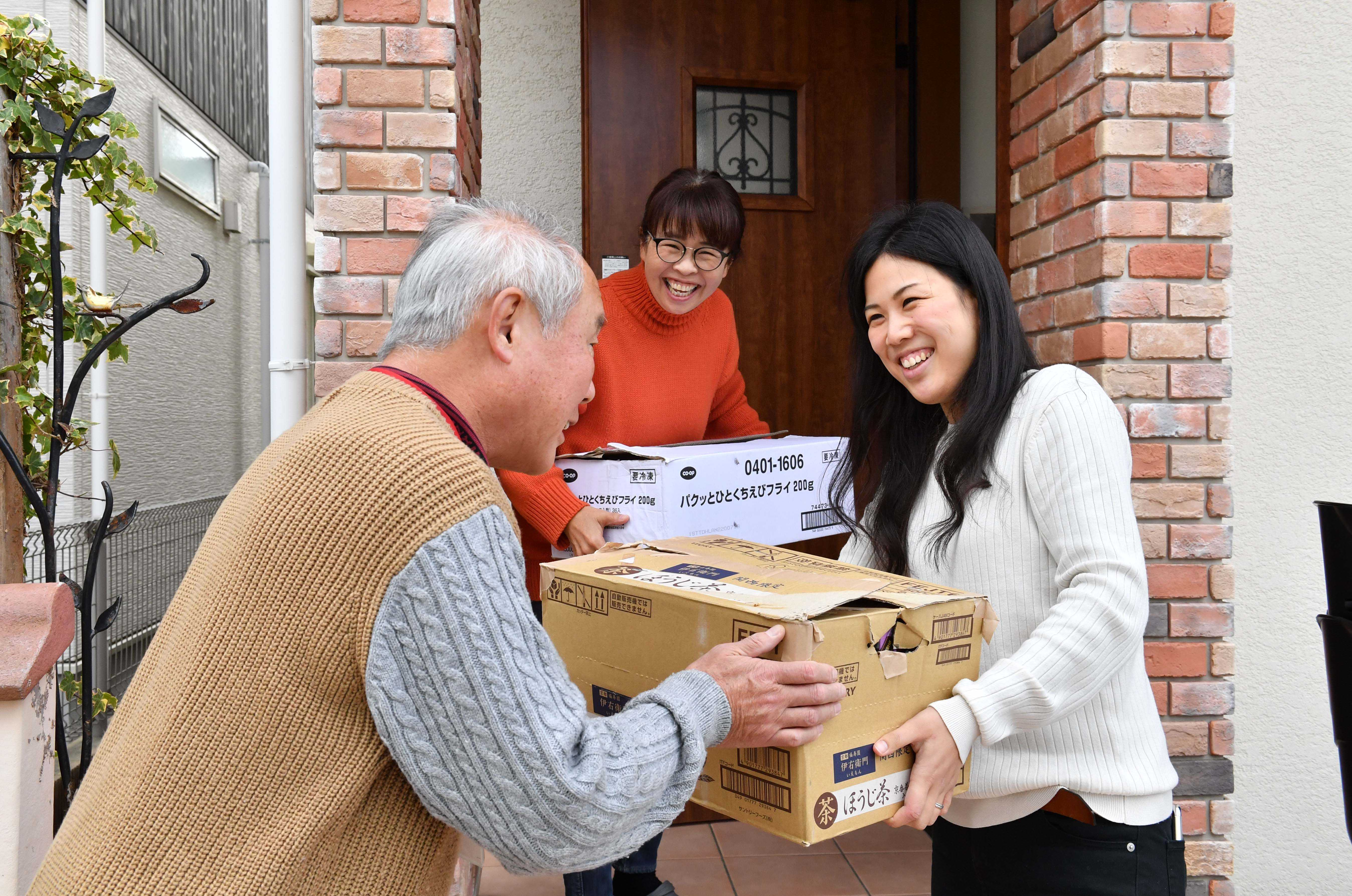 By Feeding the Needy, Ponopono's Place Gives Food Waste A New Mission8