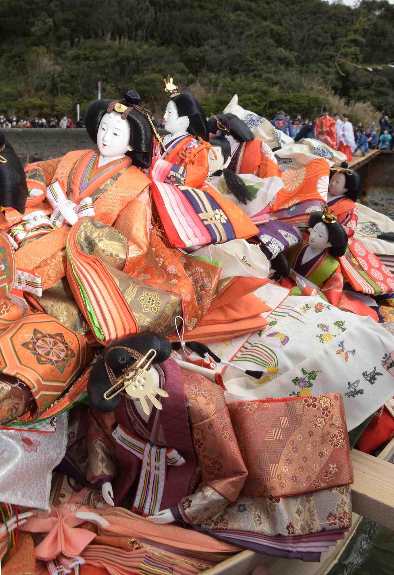 "Hidden Wonders of Japan ""Hina Nagashi"" in Wakayama 003"