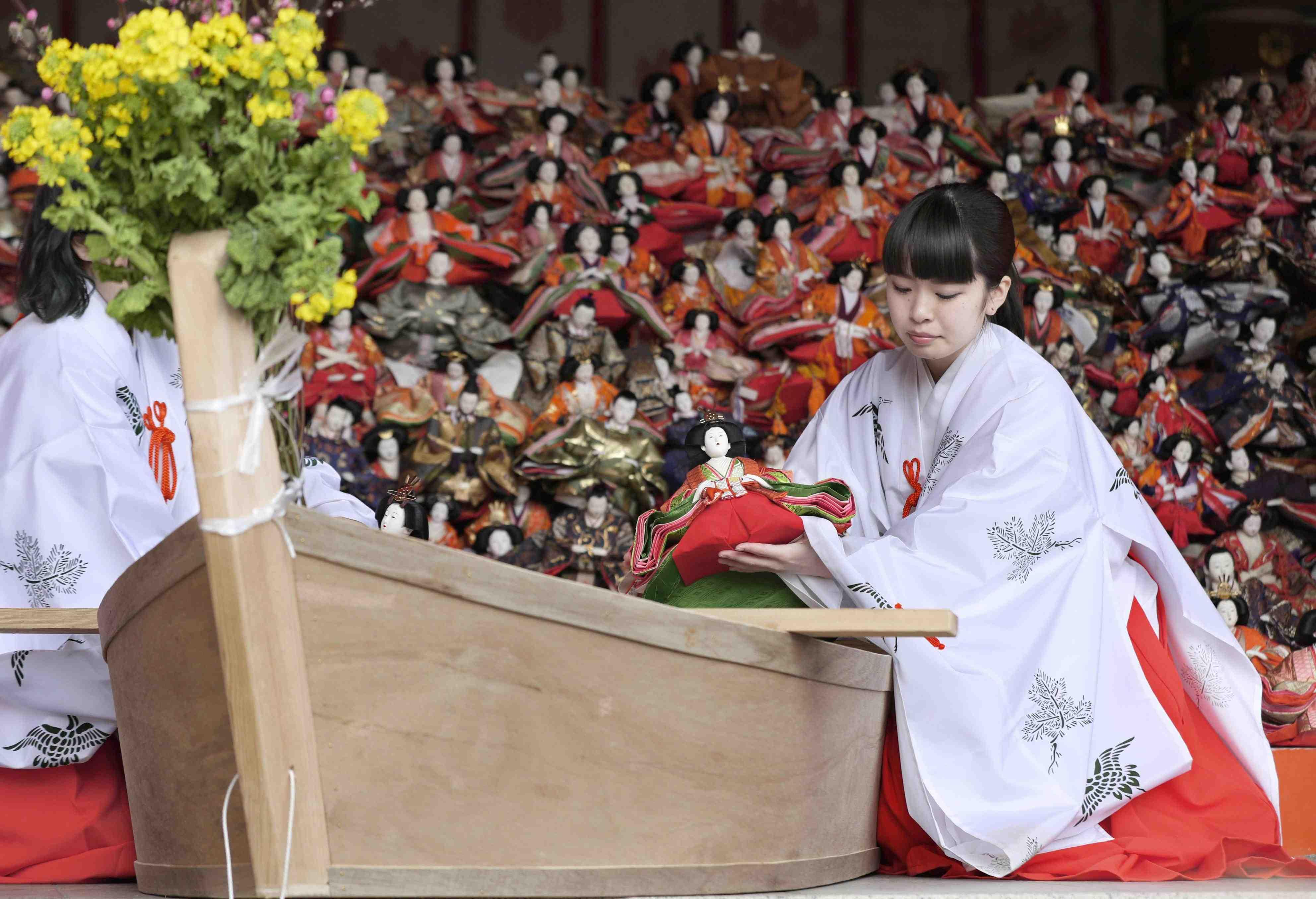 "Hidden Wonders of Japan ""Hina Nagashi"" in Wakayama 013"