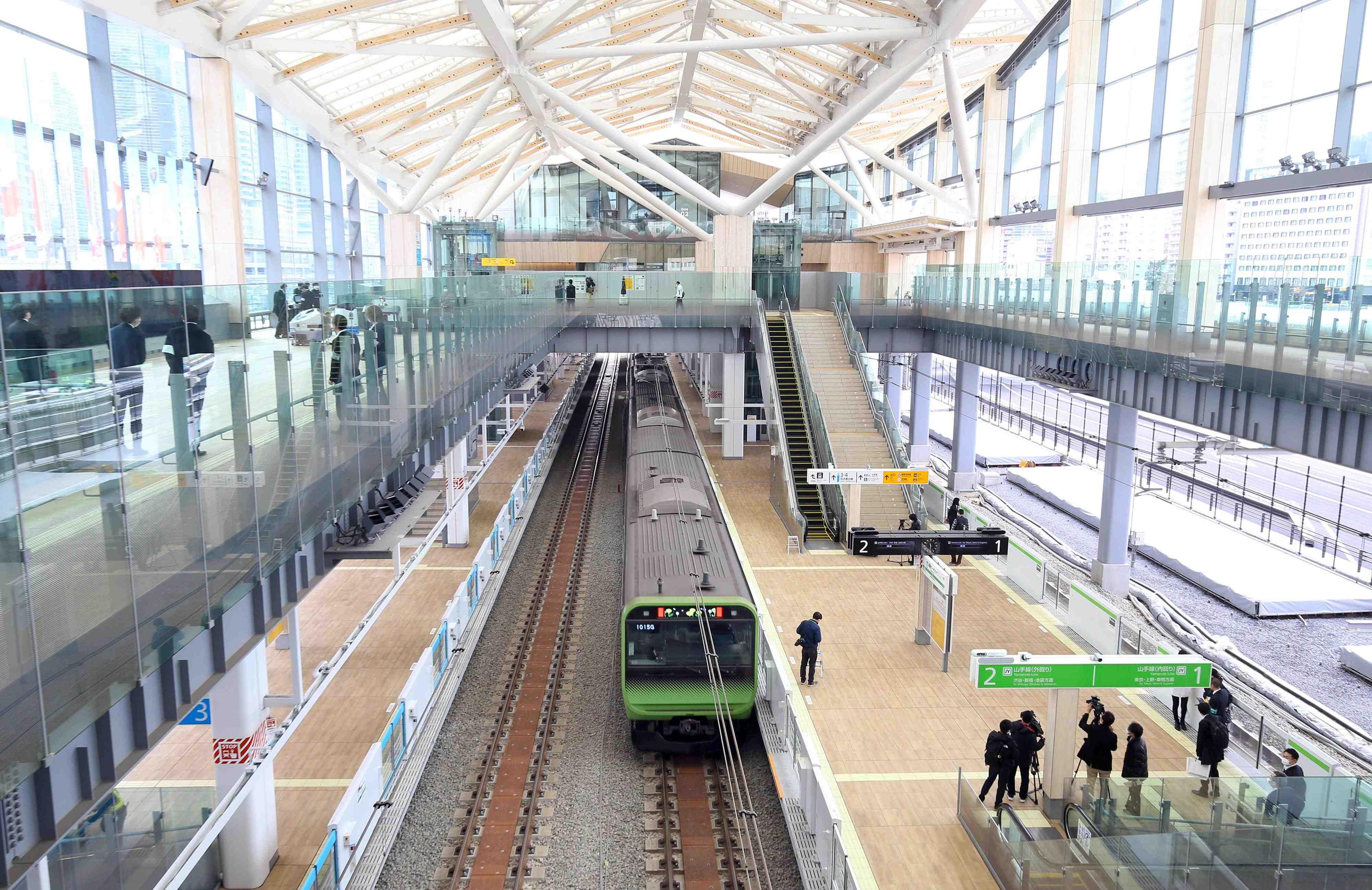 JR Takanawa Gateway Station Opening Robots AI 008