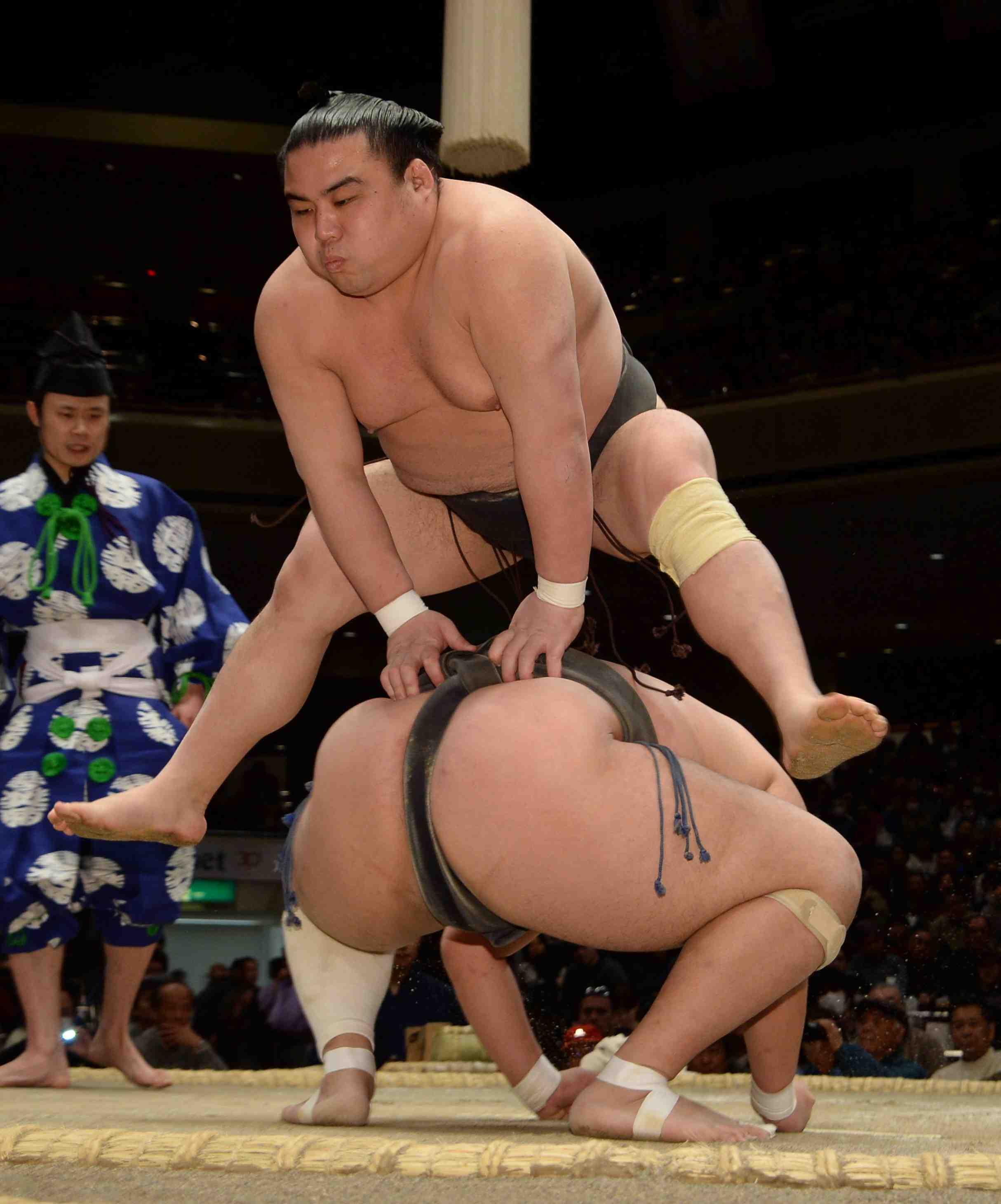 Japan 28 year old Sumo Wresler Shobushi Death by Coronavirus