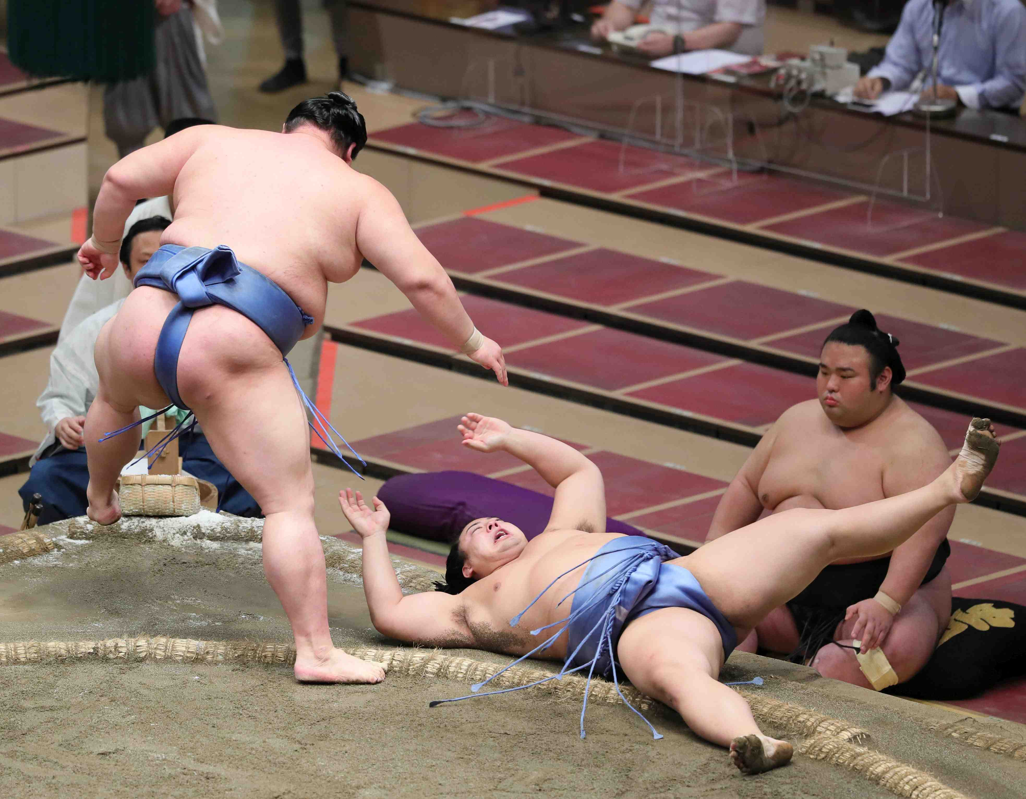 Sumo Autumn Basho Shodai First Victory 009