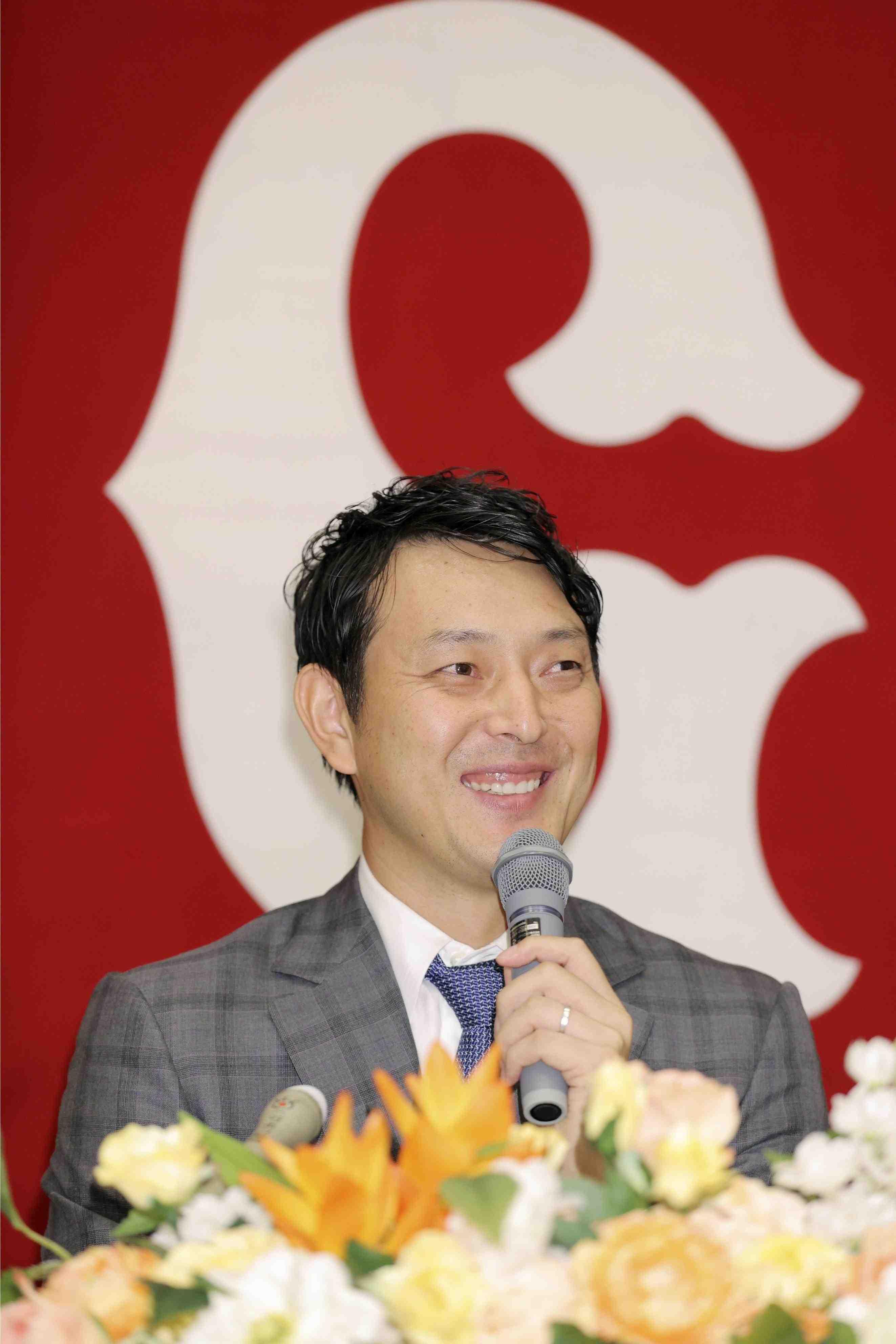 Baseball veteran pitcher Hisashi Iwakuma 010