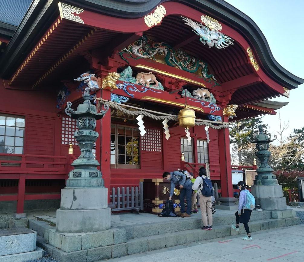 26 pilgrims at shrine mitake-shrine–ehk_20201115_150332