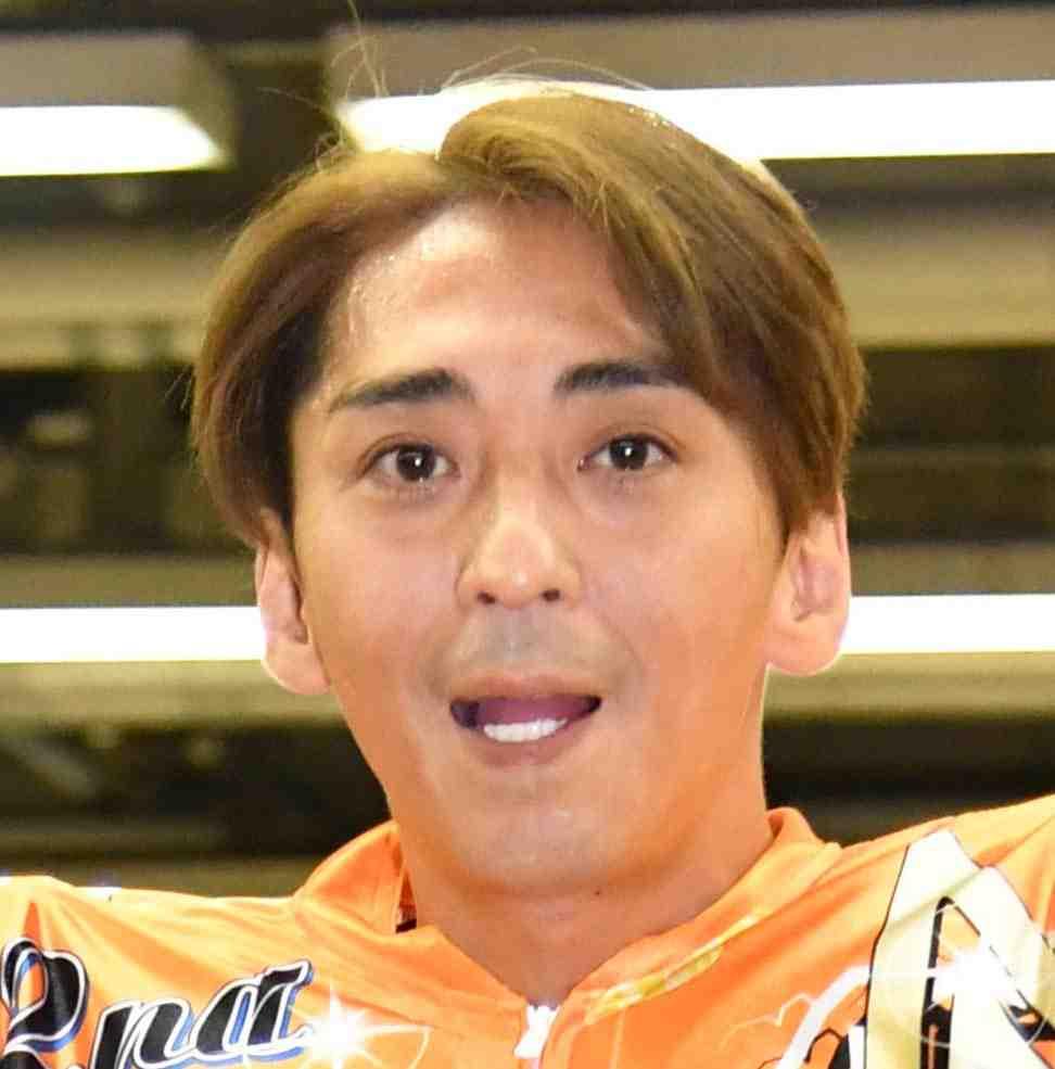 Former SMAP member Katsuyuki Mori triumphed in the national championship in auto race