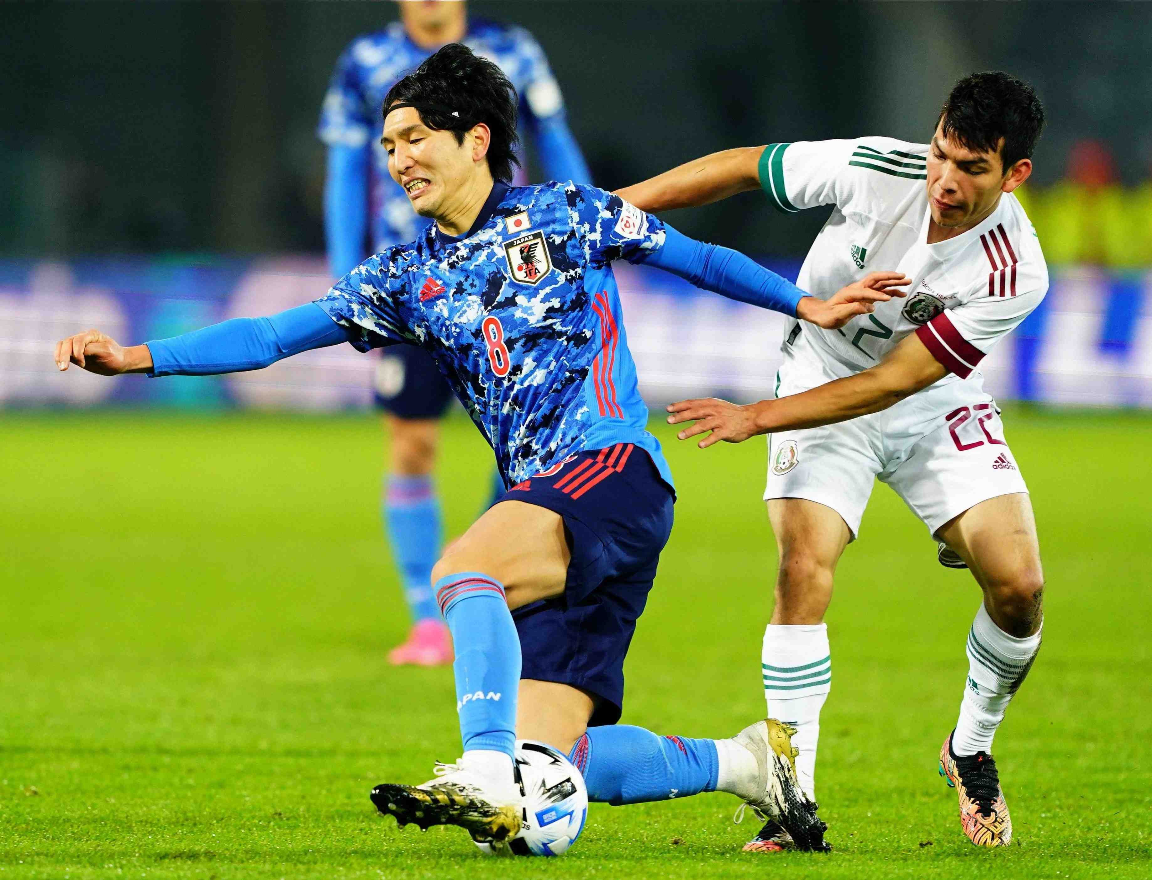 Japan men's soccer club falls 2-0 to Mexico in the second friendly in Austria on Tuesday 010