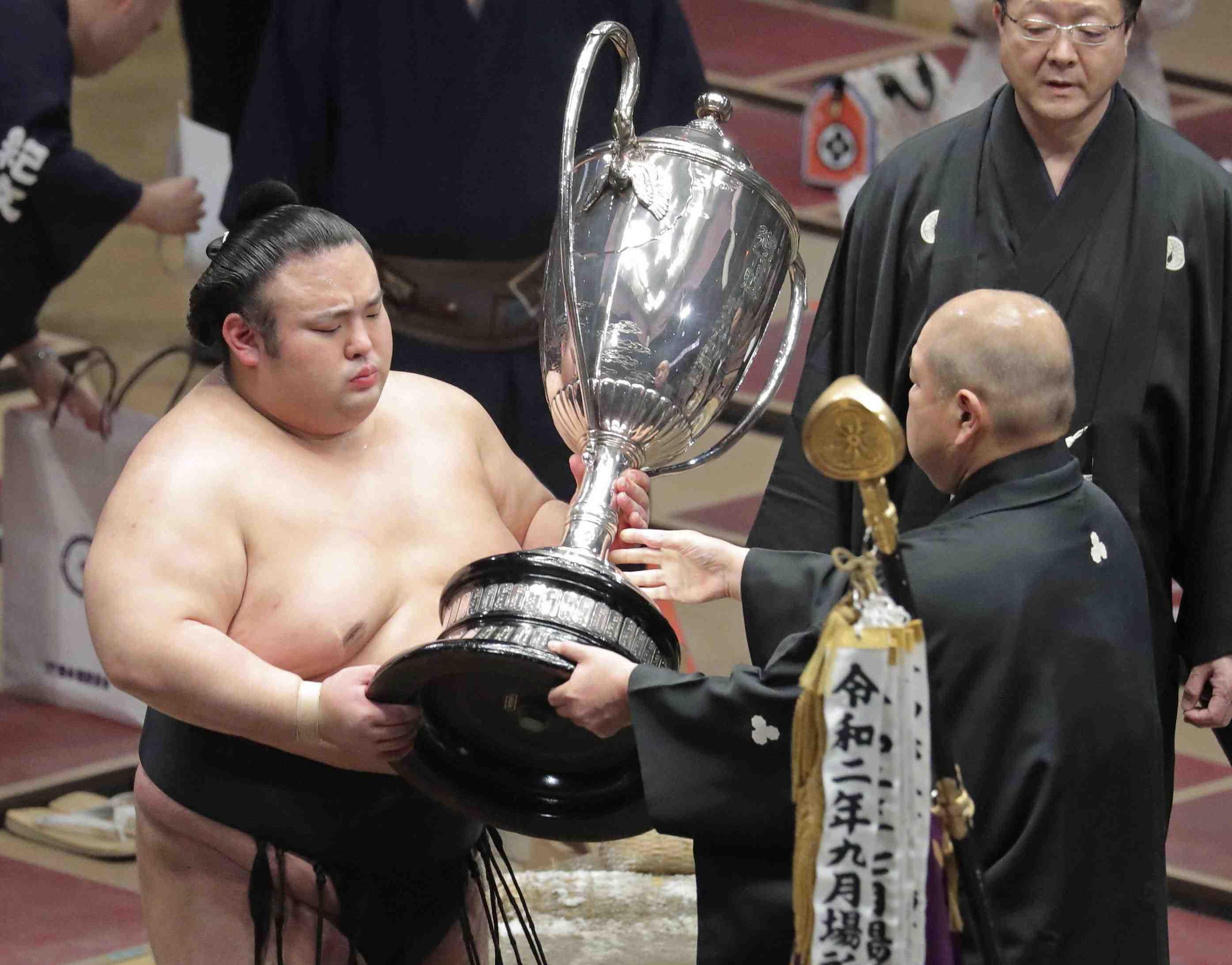 Sumo Takakeisho 004