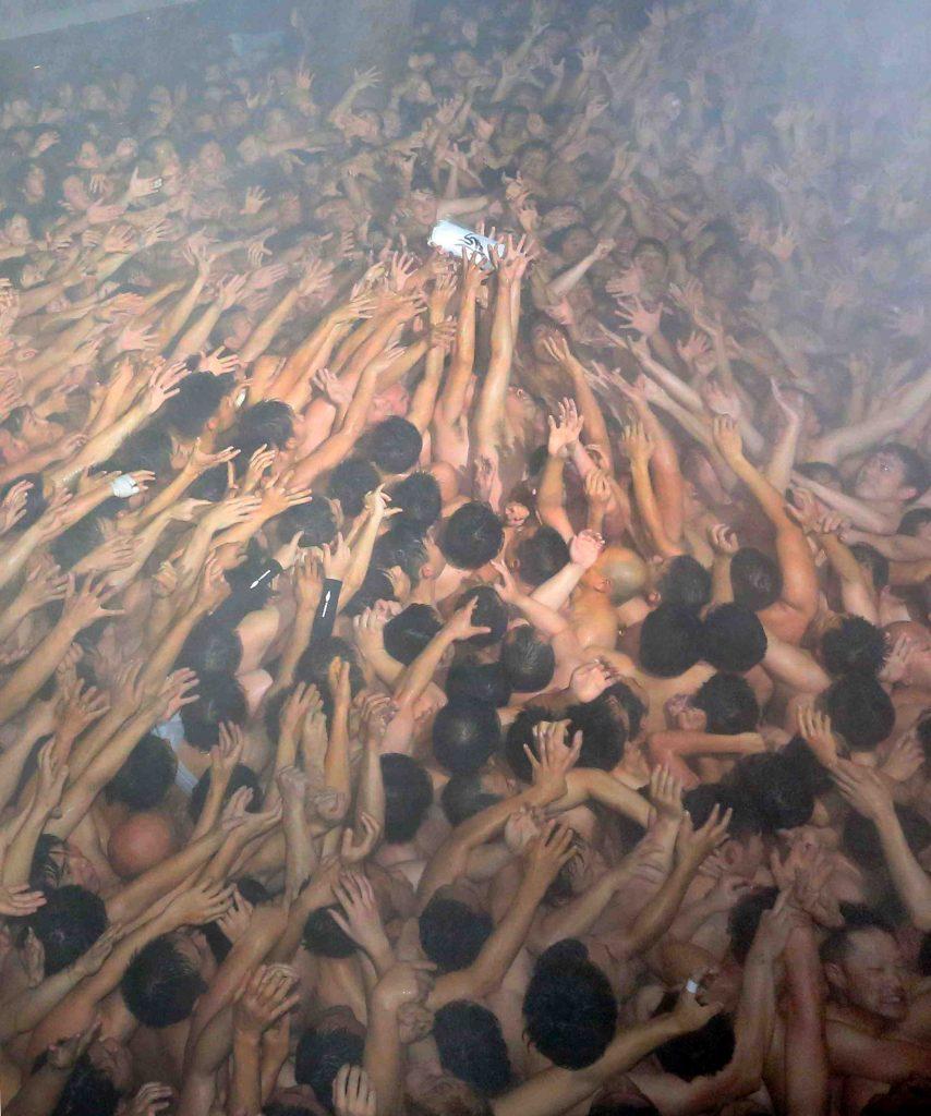 This image has an empty alt attribute; its file name is Okayama-Saidaiji-Eyo-Naked-Festival-001-854x1024.jpg