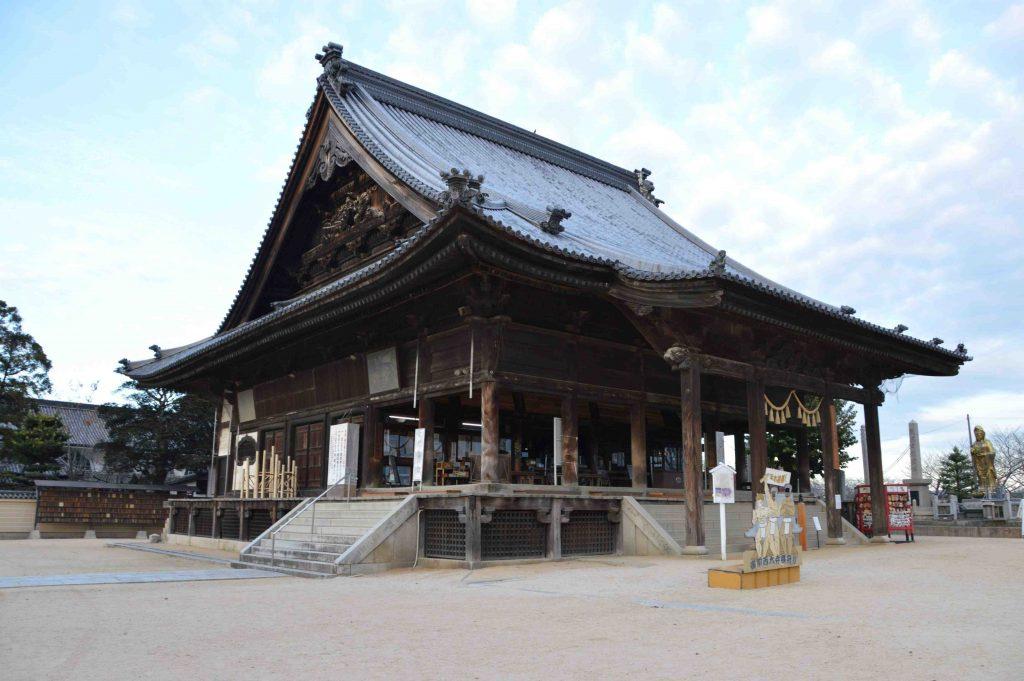 This image has an empty alt attribute; its file name is Okayama-Saidaiji-Eyo-Naked-Festival-002-1024x681.jpg
