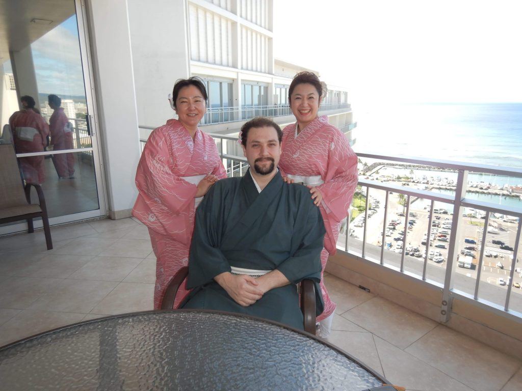 Kimono expert and author Sheila Cliffe interviews the young American studying to be a Nihon Buyo dancer about the comfort and attraction of men wearing kimono, Japanese dance and living in Japan.